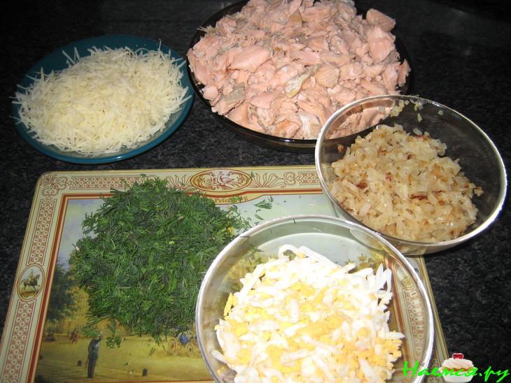 Пирог с горбушей консервированной: быстрый рецепт